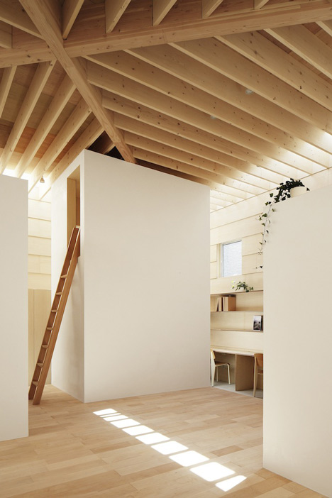 dezeen_Light-Walls-House-by-mA-style-architects_17