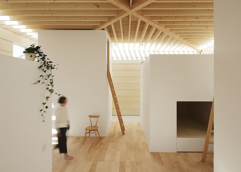 dezeen_Light-Walls-House-by-mA-style-architects_ss_1
