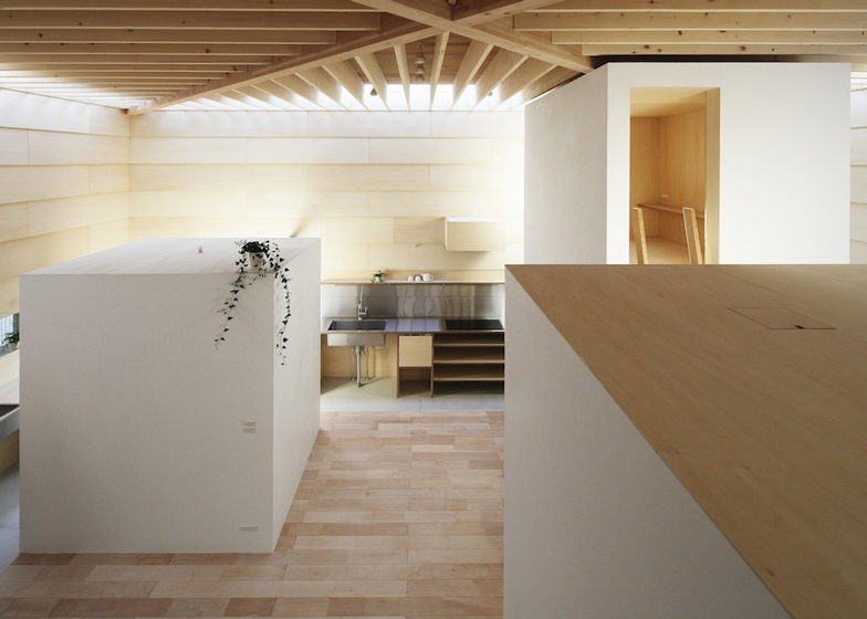 dezeen_Light-Walls-House-by-mA-style-architects_ss_5