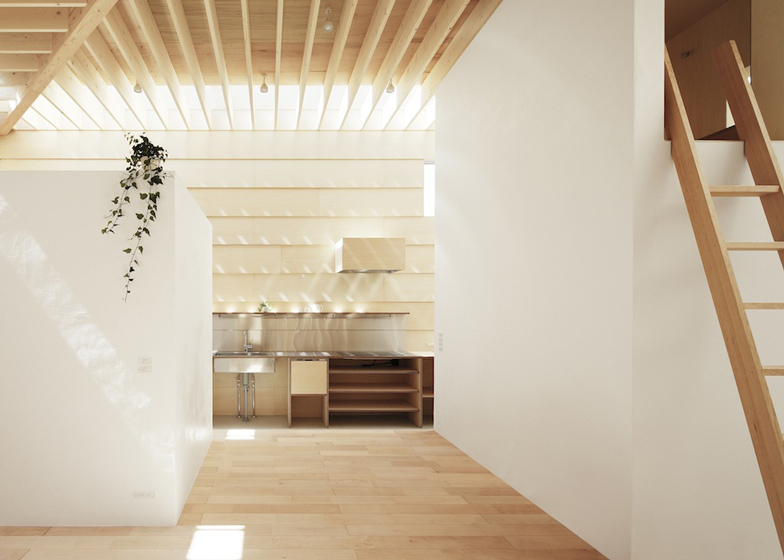 dezeen_Light-Walls-House-by-mA-style-architects_ss_6