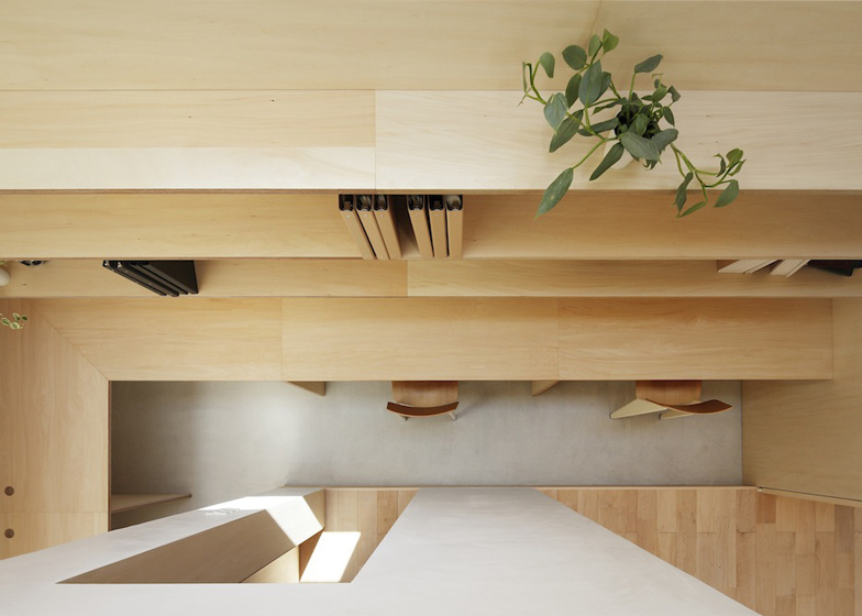 dezeen_Light-Walls-House-by-mA-style-architects_ss_7