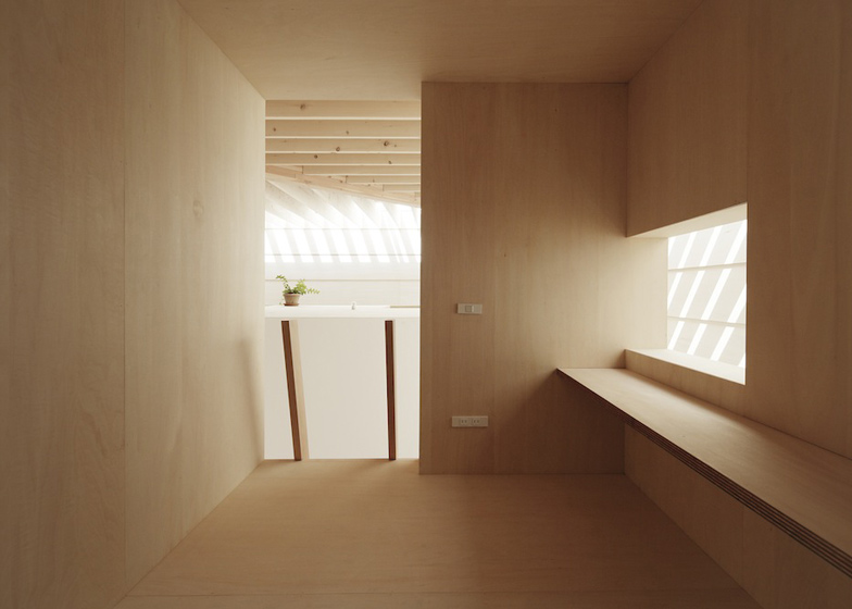 dezeen_Light-Walls-House-by-mA-style-architects_ss_8