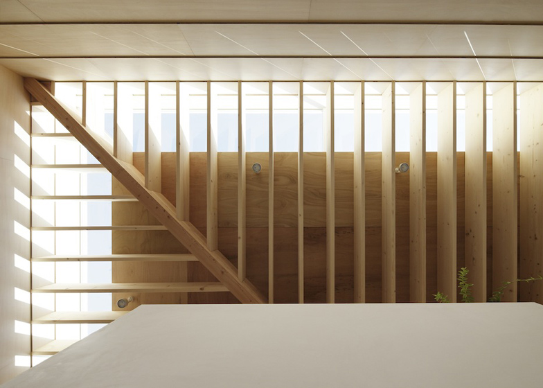 dezeen_Light-Walls-House-by-mA-style-architects_ss_10