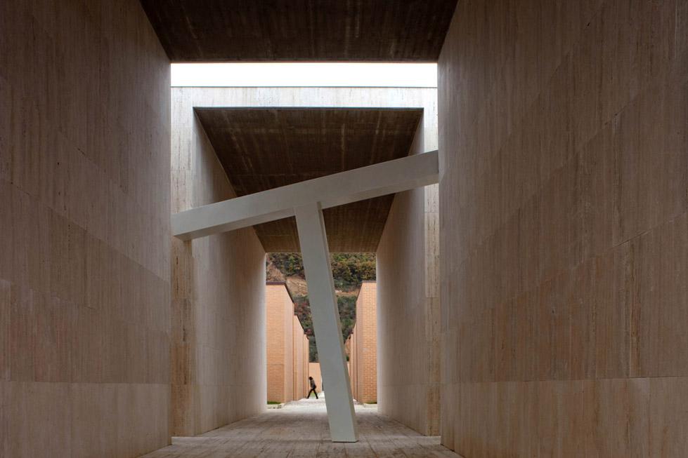 古比奥墓地的扩建 (7)