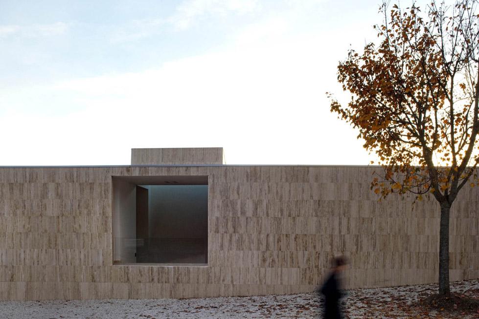 古比奥墓地的扩建 (12)