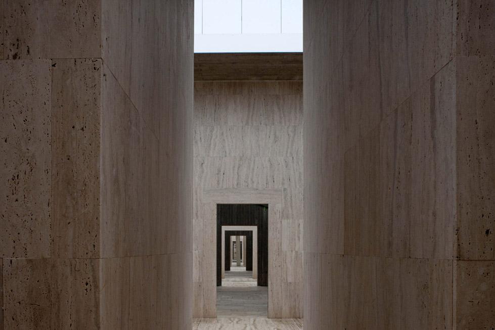 古比奥墓地的扩建 (15)