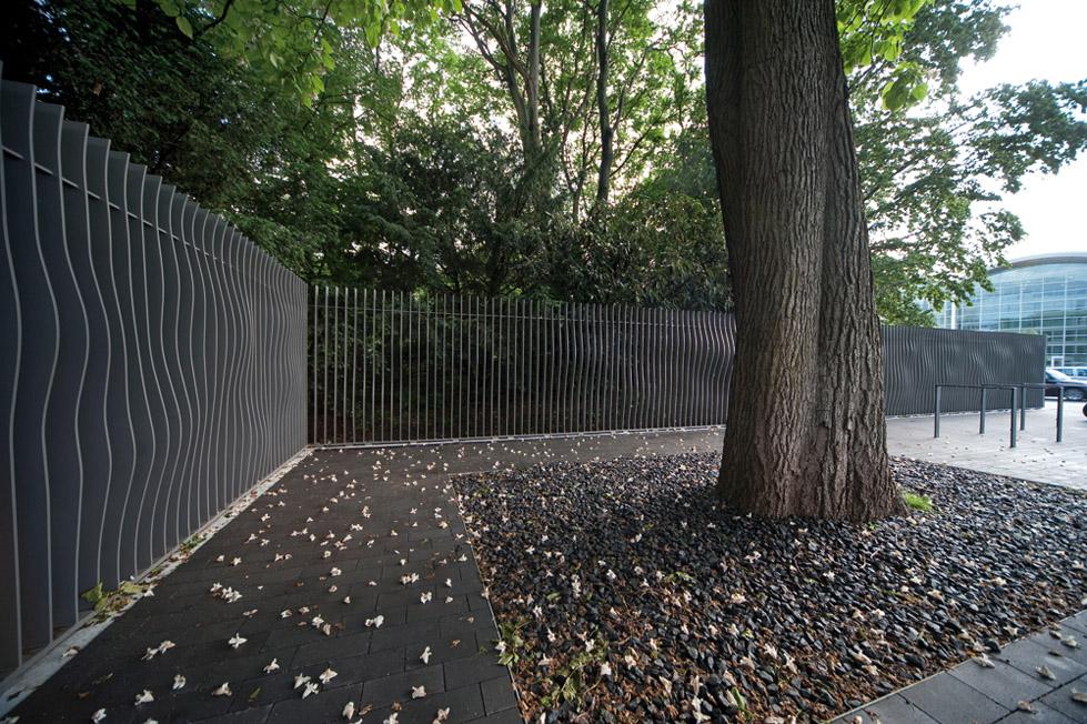 阿尔斯特湖的绿色走廊The Neue Messe Entrance to Planten un Blomen  A24 (3)