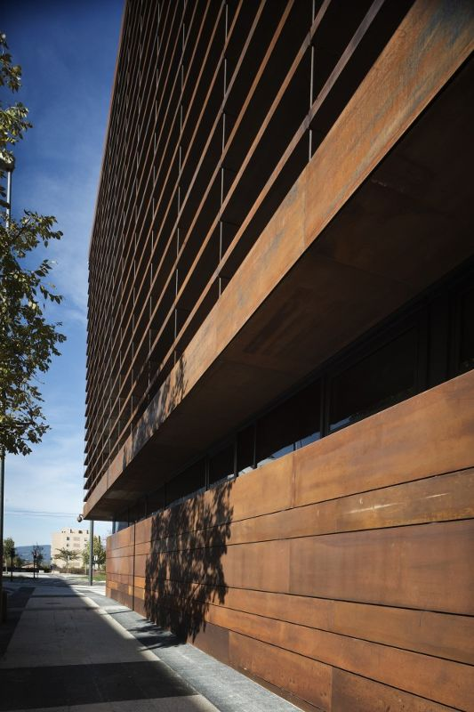 西班牙,阿拉瓦维多利亚,某办公楼  LH14 Arquitectos (7)