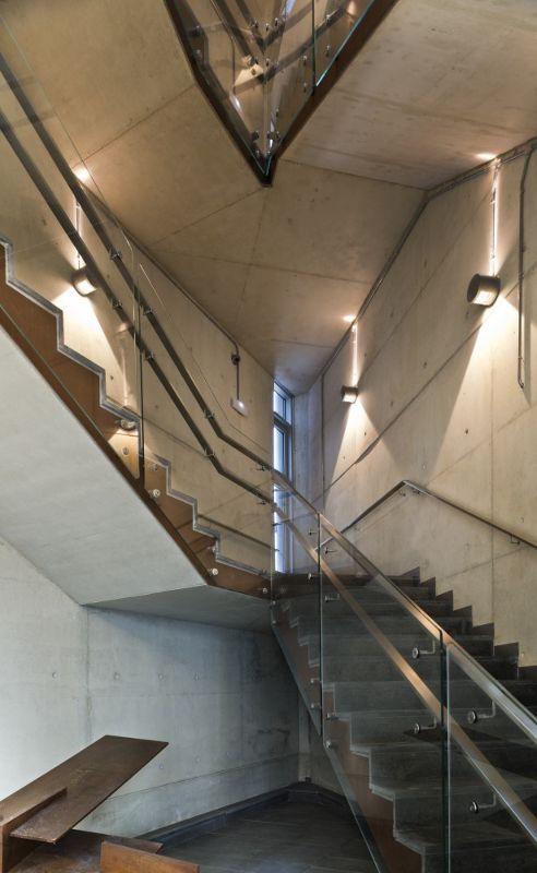 西班牙,阿拉瓦维多利亚,某办公楼  LH14 Arquitectos (15)
